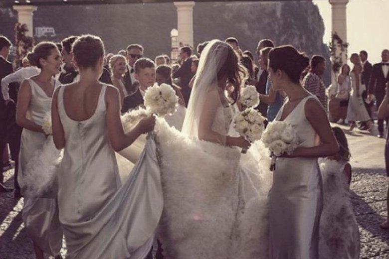 W pojedynkę też można dobrze bawić się na weselu
