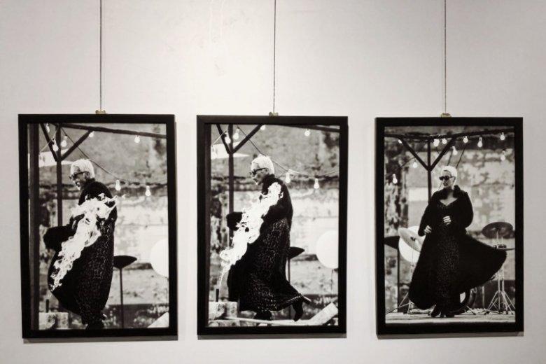 Zdjęcia pochodzą z archiwów słynnych fotografów, z różnych okresów twórczości artystki