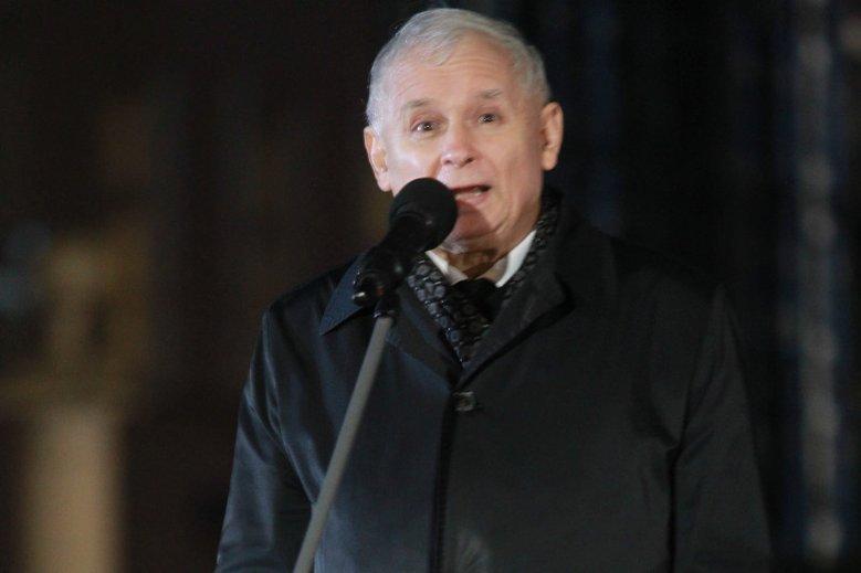 Jarosław Kaczyński podczas 94. miesięcznicy smoleńskiej poraz kolejny podkreśli, że jesteśmy coraz bliżej prawdy o katastrofie smoleńskiej.