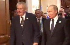 Prezydent Czech Milosz Zeman w towarzystwie prezydenta Rosji Władimira Putina
