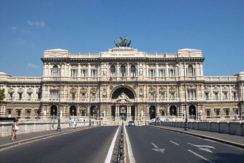 Polityka można nazwać kłamcą, jeśli nie spełnia własnych obietnic wyborczych. Przynajmniej we Włoszech.