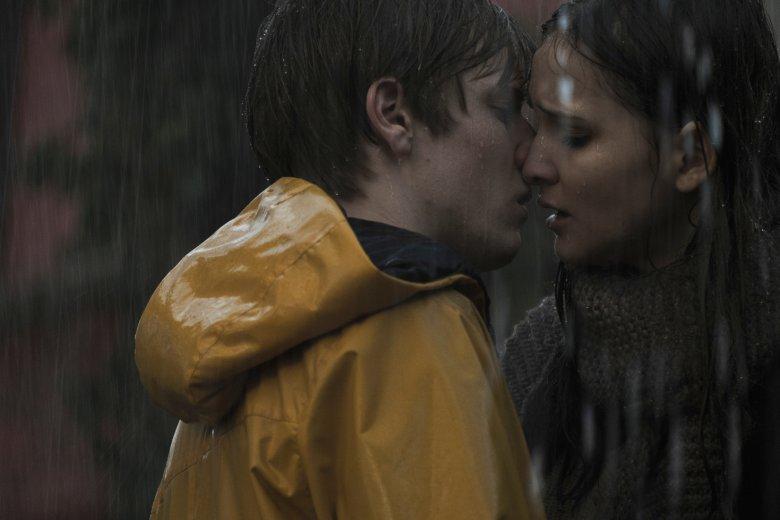 W serialu deszcz pada niemal tak często, jak w skandynawskich kryminałach.