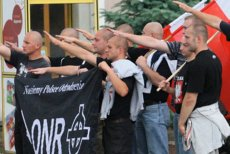 ONR, Ruch Narodowy i Młodzież Wszechpolska odwołują plany demonstrowania pod ambasadą Izraela w Warszawie. Wcześniej wojewoda mazowiecki wydał decyzję o zamknięciu części stołecznych ulic, która im to fizycznie uniemożliwiała.