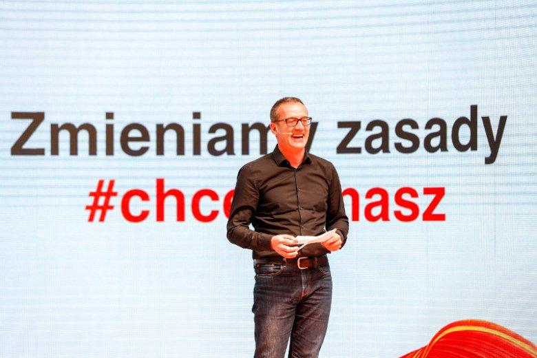 Jean-François Fallacher przedstawił na konferencji nową usługę Orange Flex.