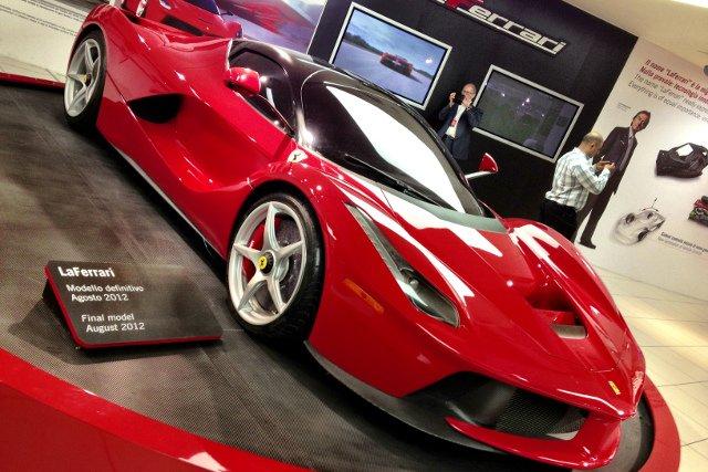 La Ferrari, powstanie niespełna 500  egzemplarzy tego super samochodu. A jeden z nich właśnie został kupiony przez Polaka