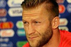 Kuba Błaszczykowski podpisał kontrakt z Wisłą Kraków. Ma grać za darmo, bo symboliczne 500 zł, które będzie dostawał, zamierza przekazywać na bilety dla domów dziecka na mecze krakowskiego klubu.