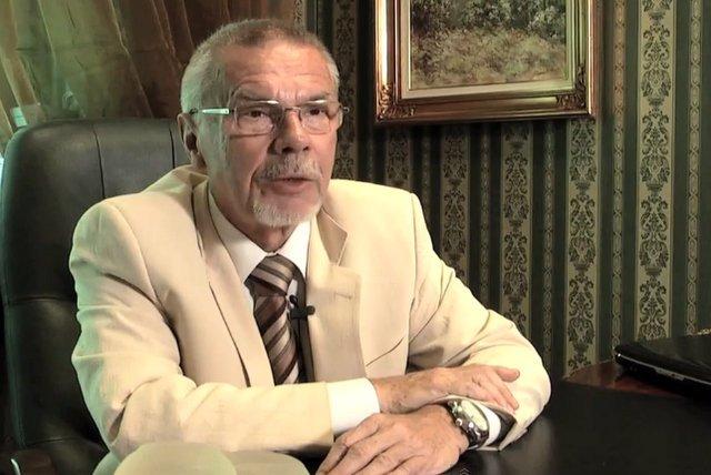 Dr. Andrzej Sankowski potrafi ze zdjęć twarzy odczytać jakim operacjom poddała się osoba