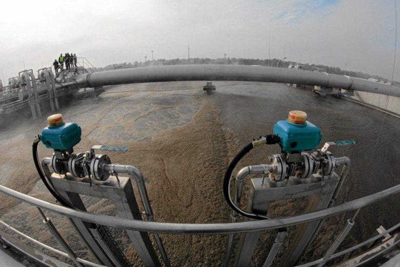 Nowe prawo wodne premiuje zachodnich producentów kosztem polskich przedsiębiorców i nikt nie chce wziąć za to odpowiedzialności.