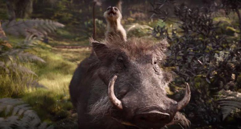 Przesympatyczny Timon i uroczy w swej brzydocie Pumba ratują ten film