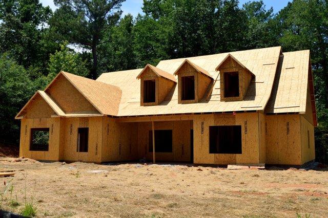 Lasy Państwowe będą budować drewniane domy.