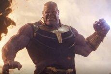 """Josh Brolin, odtwórca roli Thanosa, w wymowny sposób skomentował spekulacje wokół zakończenia filmu """"Avengers: Endgame""""."""