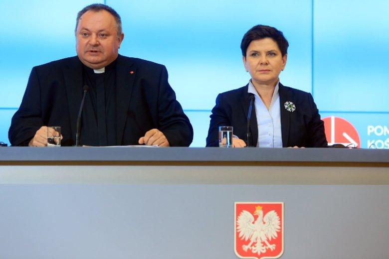 Beata Szydło rozpoczęła premierowanie od zakupów –nabyła 43 krzyże. Symbole religii chrześcijańskiej kosztowały łącznie ponad 3 tys. zł.