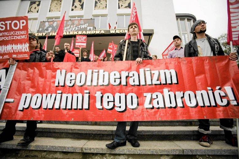 Maj 2010. Białystok. Marsz stylizowany na pochód pierwszomajowy