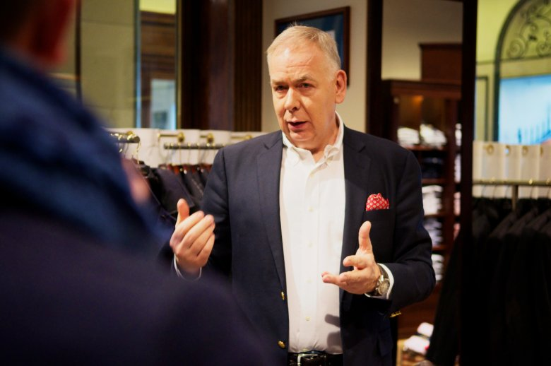 Pan Leszek Korwin - Piotrowski, właściciel salonu Brooks Brothers