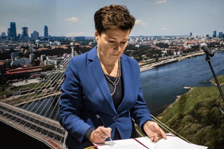 """Następcy Hanny Gronkiewicz-Waltz będą zajmowali """"liftingiem"""" miasta. Ona znalazła się w trudnej sytuacji."""