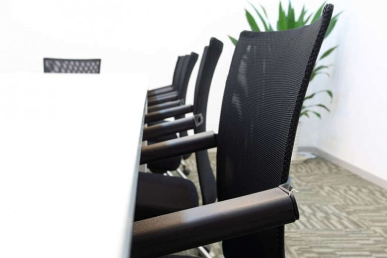 Nikt nie lubi przesiadywać godzinami w biurze, ale nie każdy nadaje się do pracy zdalnej