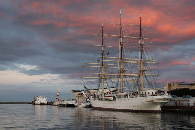 Dar Pomorza, kupiony w 1929 roku był pierwszym polskim statkiem pasażerskim II RP