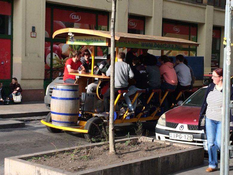 Piwowóz. Ulubiony środek transportu brytyjskich turystów.
