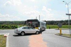 Policjanci apelują o sprawne poruszanie się na jezdni, ale nie o brak rozsądku.