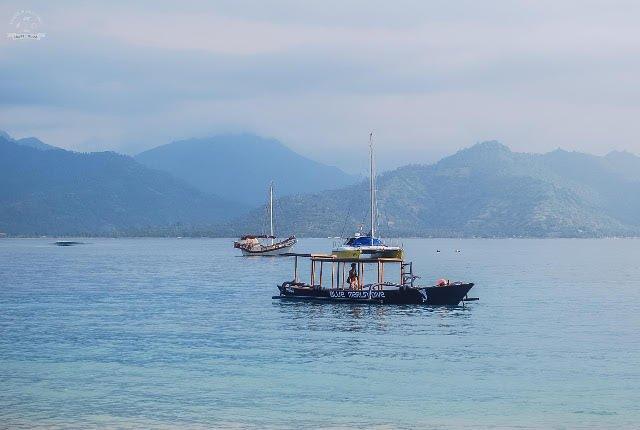 """Julia: """"Poszukiwania raju to nie jest prosta sprawa. Niektóre miejsca rozczarowują. Na szczęście, nasza pamięć ma to do siebie, że idealizuje wspomnienia. Na zdjęciu: Gili Meno w Indonezji"""""""