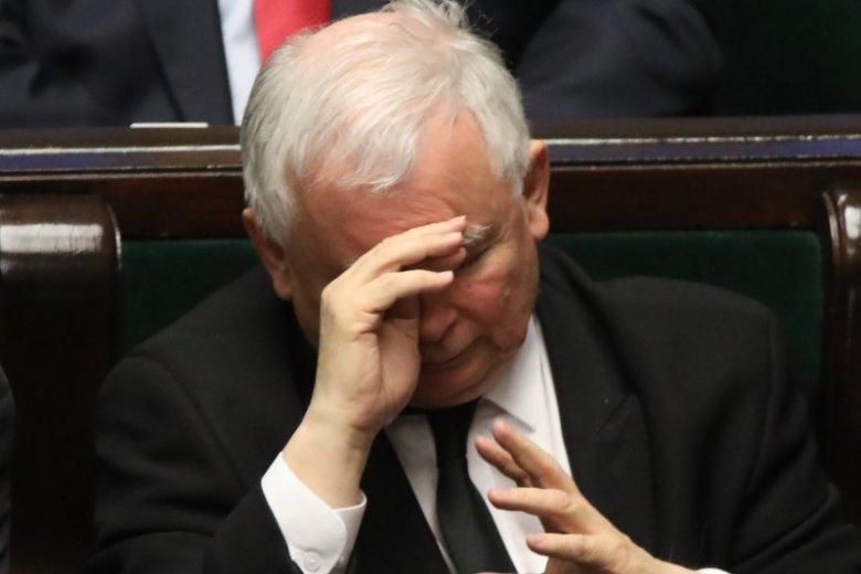 Prezes Jarosław Kaczyński założył PiS na gruzach AWS, teraz PiS rozłazi mu się niczym AWS