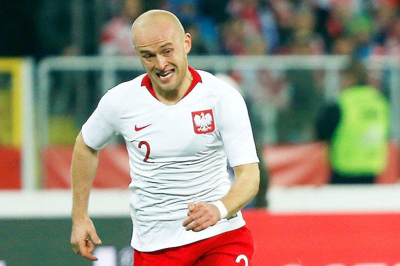 e67a4e25a Za nową oficjalną koszulkę reprezentacji Polski na mundial trzeba zapłacić  krocie.