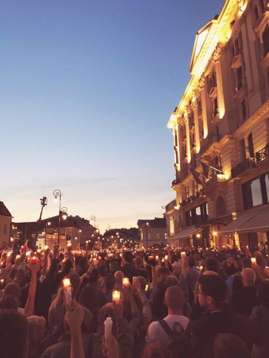 Demonstracja pod Pałacem Prezydenckim 18 lipca