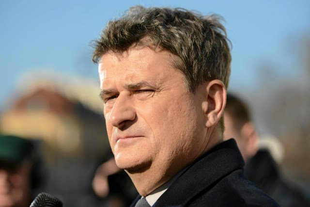 """Janusz Palikot uważa, że """"lepiej się poddać, niż prowadzić wojnę""""."""
