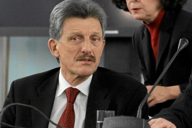 Poseł PiS Stanisław Piotrowicz ponad 10 lat temu umorzył sprawę słynnego księdza pedofila z Tylawy