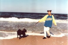 Reni Jusis 20 lat temu na plaży w Mielnie.