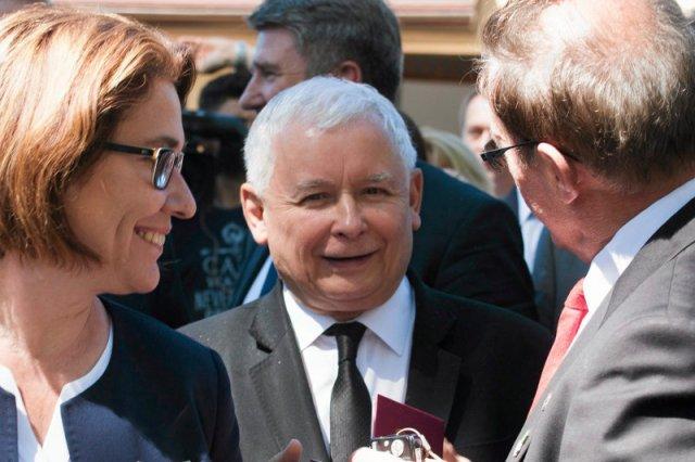 Prezes PiS ma powody do zadowolenia. Ale nie tylko on – niespodziewanie sporo zyskuje jeszcze jedna partia