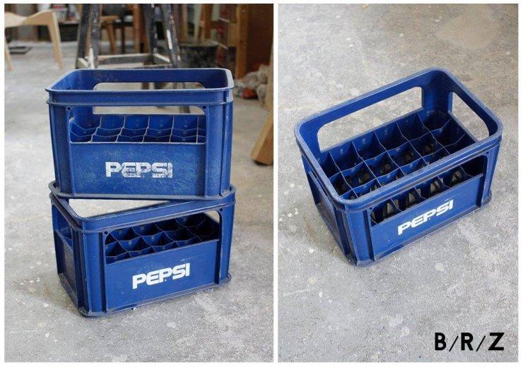 Skrzynki na butelki Pepsi.