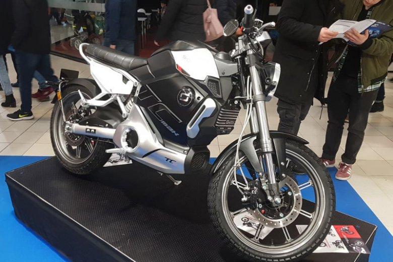 Super Soco TC-Max to najmocniejsza wersja w ofercie producenta elektrycznych motocykli.