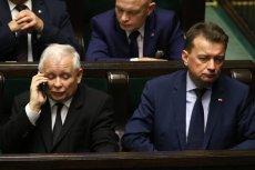 Jarosław Kaczyński szykuje gwiazdkowy prezent dla członków partii.
