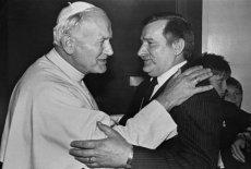 Papież Jan Paweł II i prezydent Lech Wałęsa.