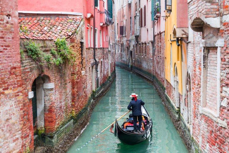 """Wenecja masowo się wyludnia. -  W 2030 r. może stać się miastem """"żyjącym tylko w ciągu dnia"""" - alarmują demografowie."""