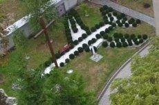 Tupolew w ogrodzie parafii koło Krakowa