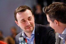 Urodzony w Polsce Paul Ziemiak został nowym sekretarzem generalnym największej niemieckiej partii CDU. Wśród chadeków zajmie drugą najważniejszą funkcję po Annegret Kramp-Karrenbauer, która zastąpiła Angelę Merkel na fotelu szefowej partii.