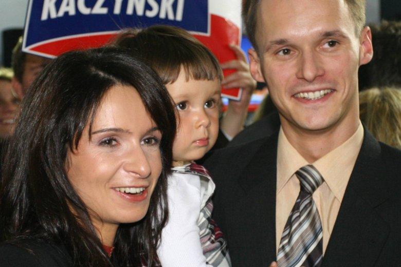 Marta Kaczyńska z ówczesnym mężem Piotrem Smuniewskim. Zdjęcie z roku 2005.