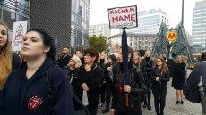 W ponad 100 miastach w Polsce poniedziałek to dzieńCzarnego Protestu.