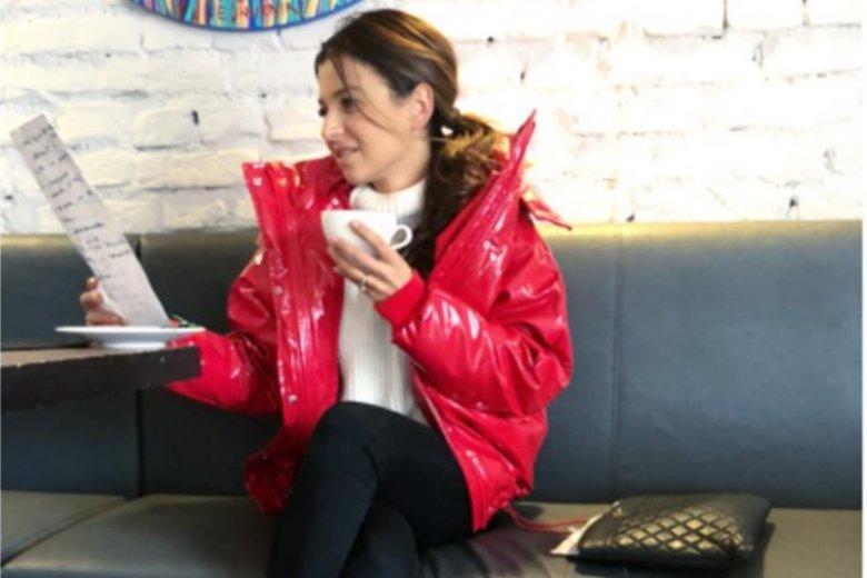 Anna Lewandowska w czerwonej kurtce z H&M. Ty też możesz mieć ją w swojej szafie!