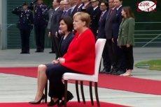 Angela Merkel ponownie siedziała w czasie hymnów narodowych.