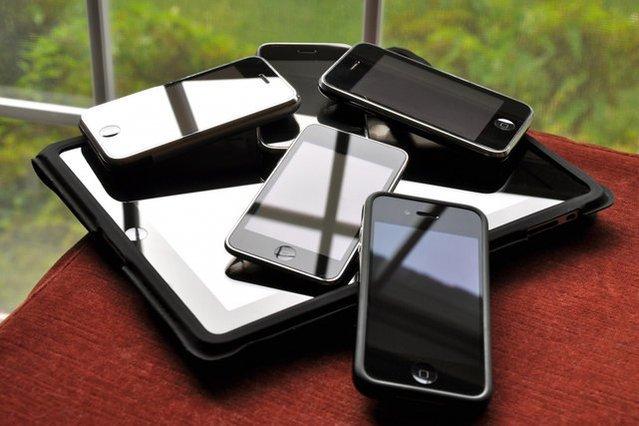podłączenie telefonu do iPhonea randki w ciemnym show