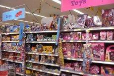 """Czy podział na """"niebieskie"""" zabawki dla chłopców i """"różowe"""" dla dziewczynek nadal ma sens?"""