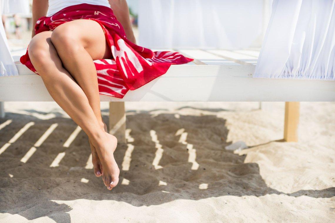 Gładkie nogi o jednolitym kolorycie w 5 minut to sekret powodzenia rajstop w sprayu.