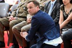 W czerwcu 2015 r. prezydent-elekt Andrzej Duda złapał upadającą hostię za darmo. Teraz okazało się, że przeznaczył tysiące złotych z pieniędzy podatników na ekskluzywne różańce.