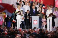 Przewaga Dudy nad Trzaskowskim nieznacznie zmalała.