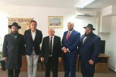 Prezes PiS Jarosław Kaczyński po ubiegłorocznym spotkaniu z  przedstawicielami kilku organizacji żydowskich (drugi z lewej Artur Hofman, drugi z prawej Jonny Daniels)