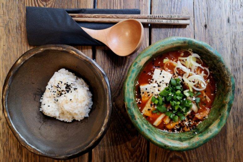 Kimchi jjigae w ramach Restaurant Week serwuje warszawska Koreanka