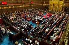 Izba Lordów blokuje brexit bez porozumienia.